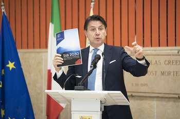Presentazione del Piano Sudo 2010: Photocredit: Governo