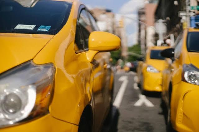 Bonus taxi - Foto di Tim Samuel da Pexels